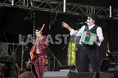 "Music-band ""Tiger Lillies"""