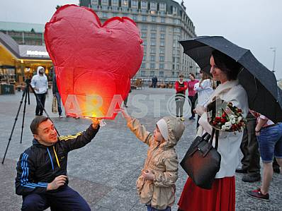 In honor of the birthday Savchenko launch sky lanterns