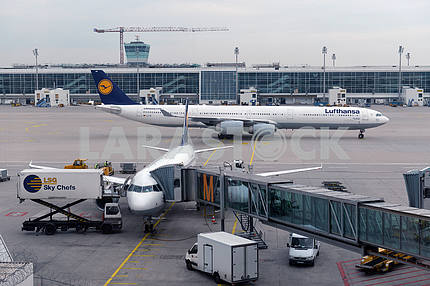 MUNICH, GERMANY, SEPTEMBRE 2014: Lufthansa airbus airplane parke