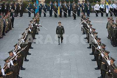 Company of the guard of honor and Stepan Poltorak
