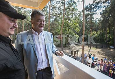 Petro Poroshenko visited the house for the SBU servicemen