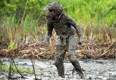 The athlete selected from the swamp in competitions ATV 27 July 2013