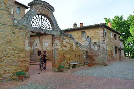 Cyclist in a villa near Siena