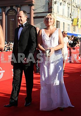 Sergei Tigipko and Victoria on the red carpet OIFF