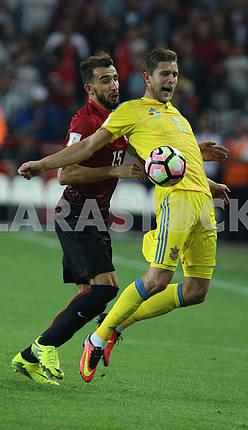 Artem Kravets and Mehmet Topal during the match Turkey - Ukraine