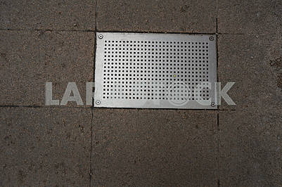 Rectangular metal grating