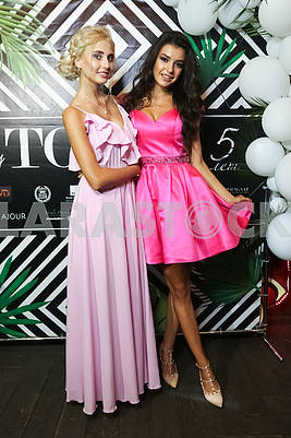 "Marina Solovey ""Spicy Queen"" from All-Ukrainian radio station ""Peretz FM"" and Queen of Ukraine 2017 Snezhana Tanchuk"