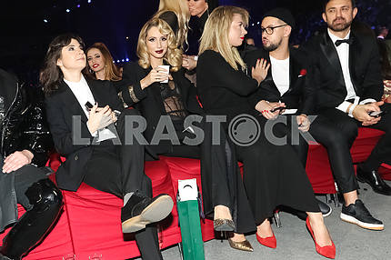 Natella Krapivina, LOBODA, Yula and Monatik at the award ceremony of the M1 Awards 2016