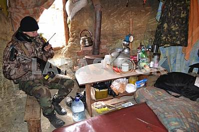 Ukrainian soldier at the checkpoint