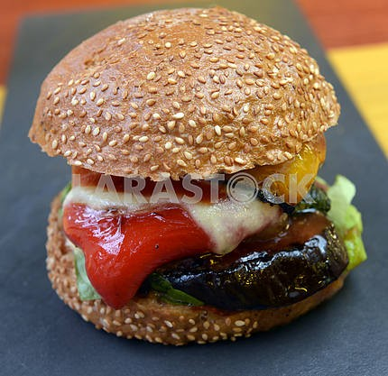veggie burger with vegetables