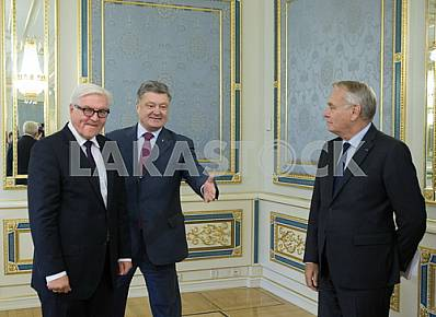 Poroshenko met with the heads of diplomatic missions of Great Britain and France