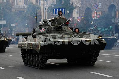 Tanks are at the rehearsal of the military parade in Kiev