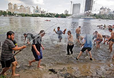 Water battle in Hydropark in Kiev
