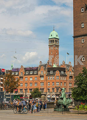 Monument to Andersen and Town Hall