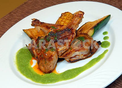 Fried veal with vegetables