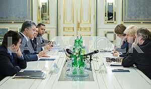 Petro Poroshenko and Boris Johnson